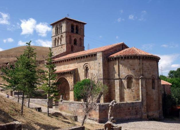Colegiata románica de San Pedro en Cervatos - que ver en la Comarca de Campoo