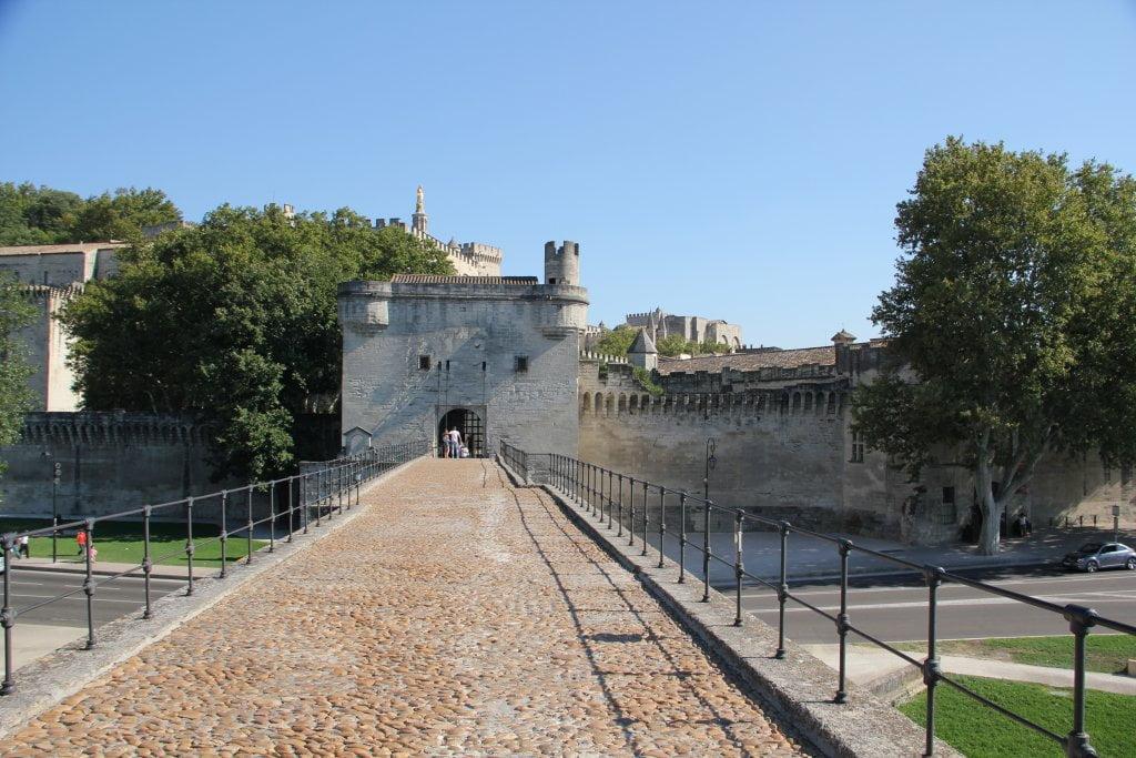 El Puente de Avignon