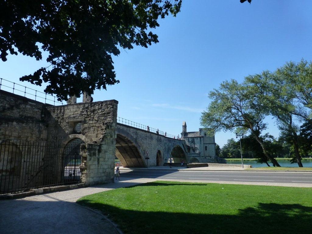 El Puente de Avignon desde el exterior