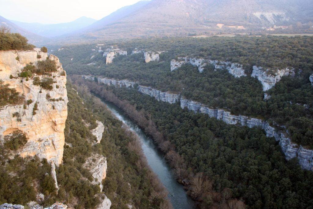Vista del cañón desde el Mirador del Ebro - ruta por el cañón del Alto Ebro en Burgos