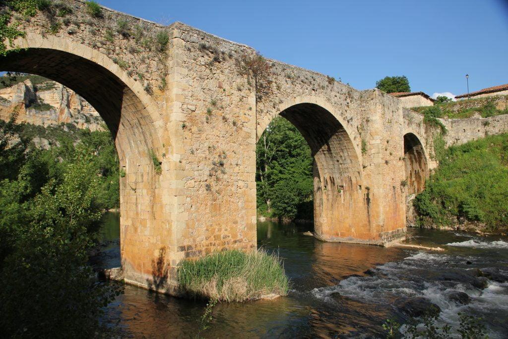 El puente de Pesquera de Ebro - ruta por el cañón del Alto Ebro en Burgos