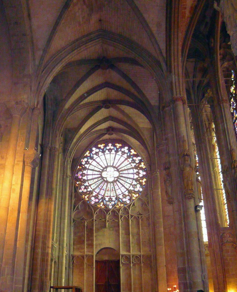 Rosetón de la Basílica de San Nazario- qué ver en Carcasona en un día