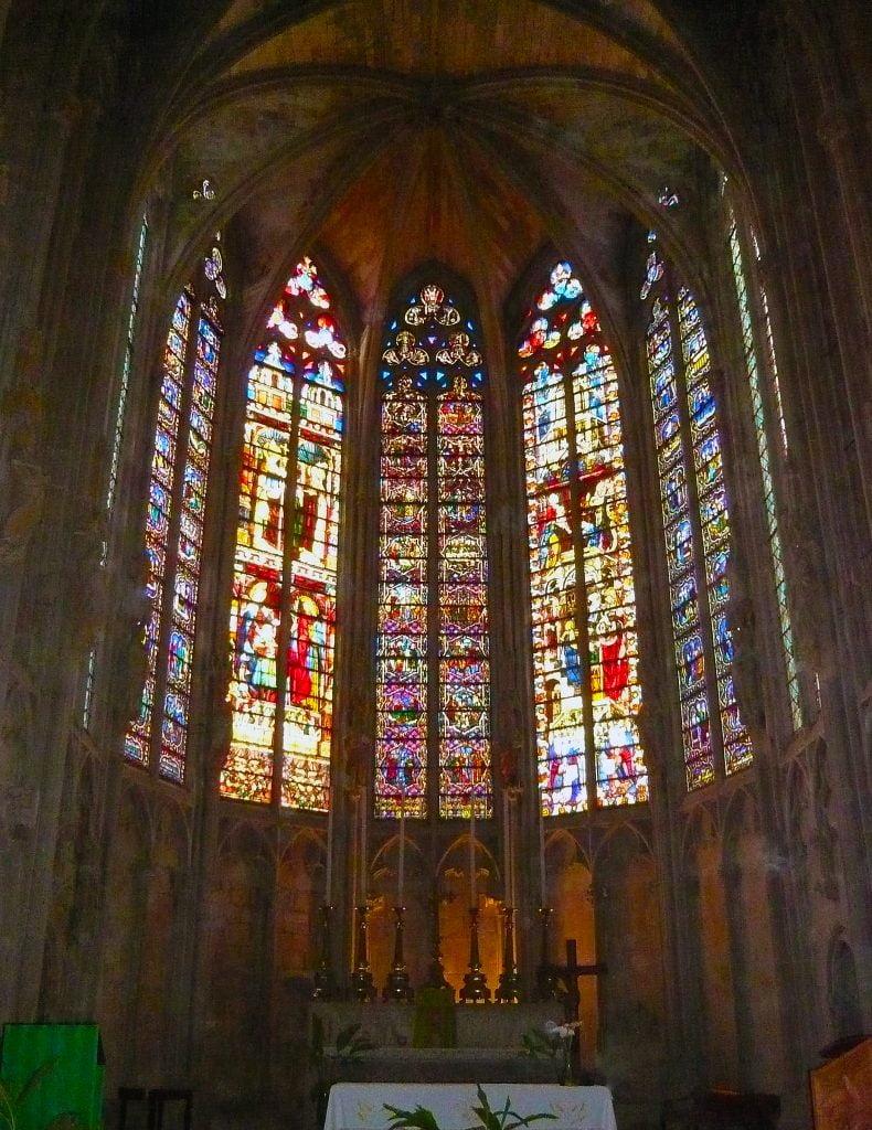 Vidrieras de la Basílica de San Nazario- qué ver en Carcasona en un día