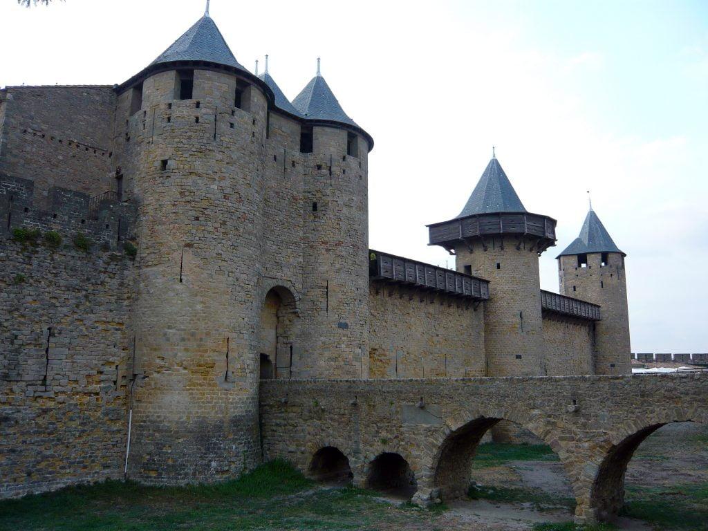Acceso al Castillo Condal- qué ver en Carcasona en un día