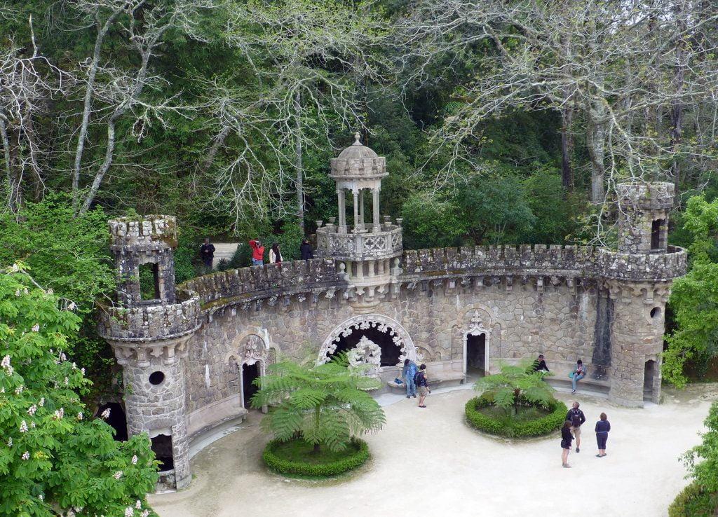 Portal de los Guardianes - visitar la Quinta da Regaleira