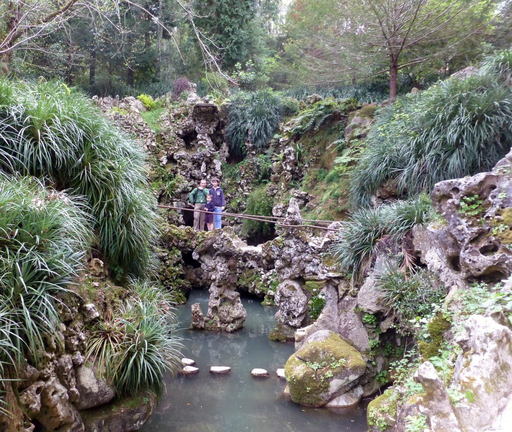 Lago de la Cascada- visitar la Quinta da Regaleira