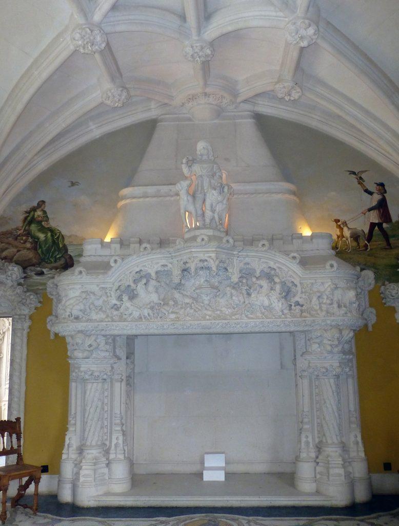 Chimenea de la Sala de Caza - visitar la Quinta da Regaleira