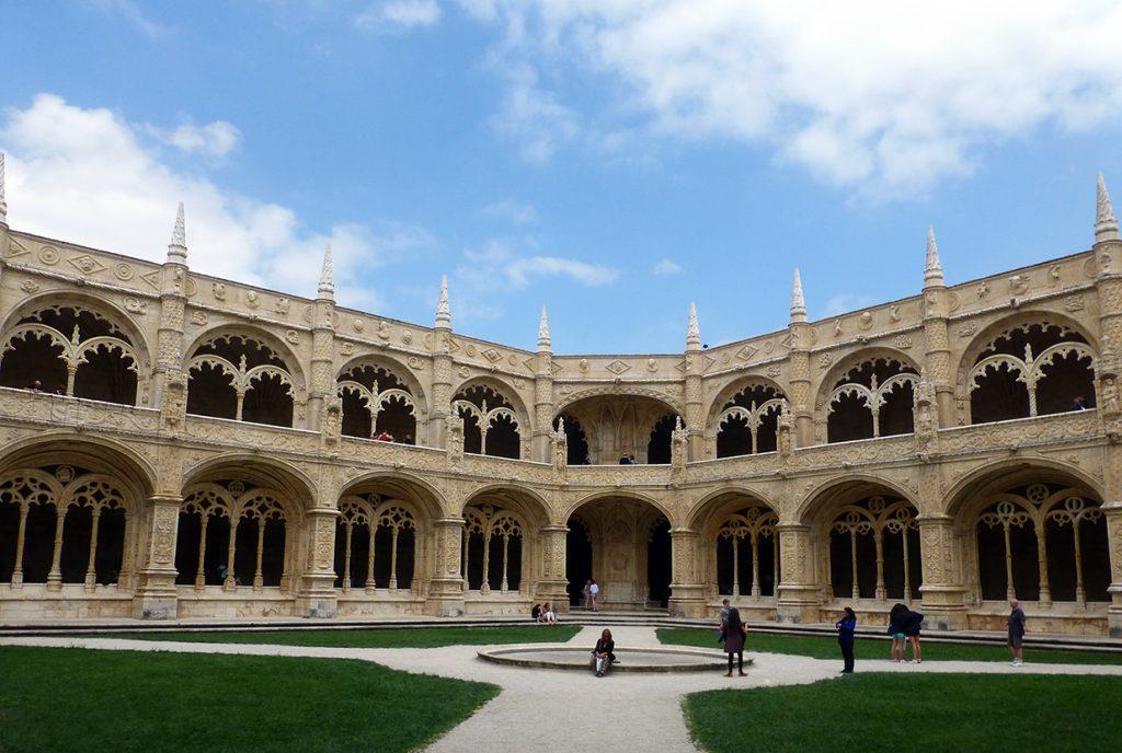 Patio del Claustro del Monasterio de los Jerónimos de Lisboa