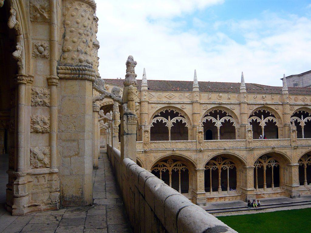 Detalle del claustro alto del Monasterio de los Jerónimos de Lisboa
