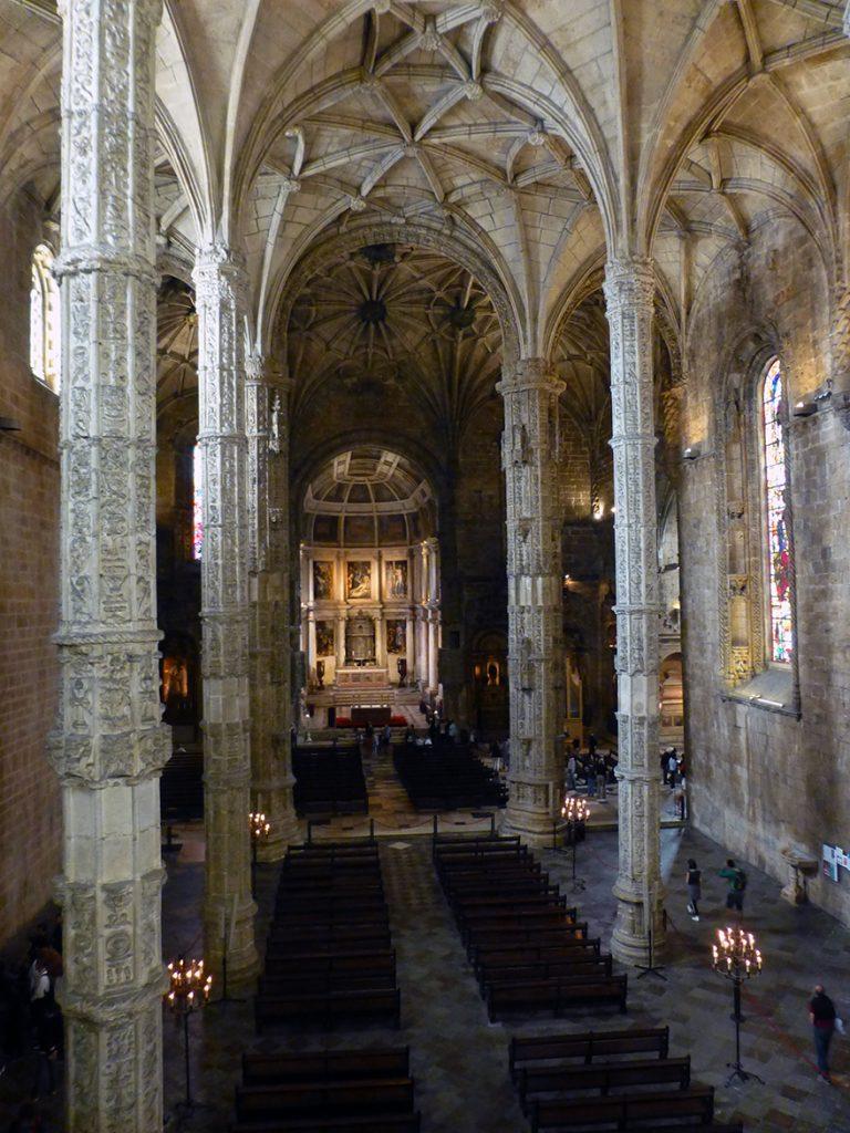 Interior de la Iglesia de Santa María de Belém - Monasterio de los Jerónimos de Lisboa