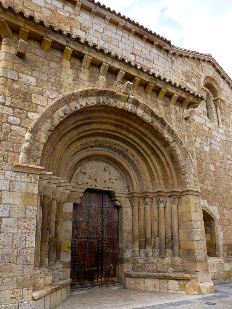 Portada románica de la iglesia de San Miguel de Daroca