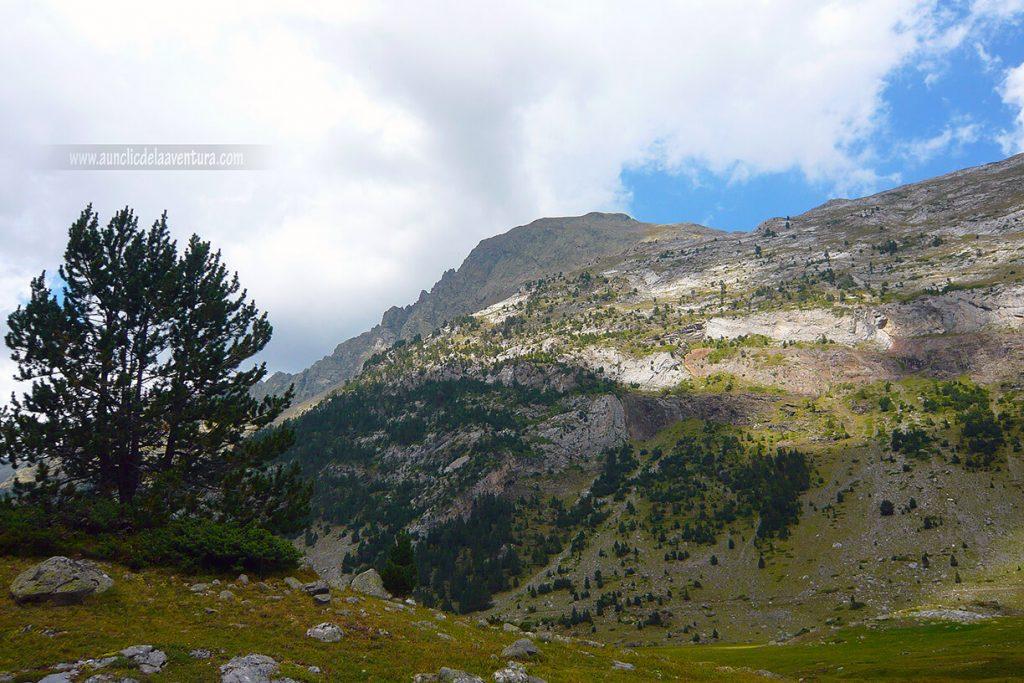 Paisajes del Valle de Benasque en la ruta al Forau d´Aigualluts