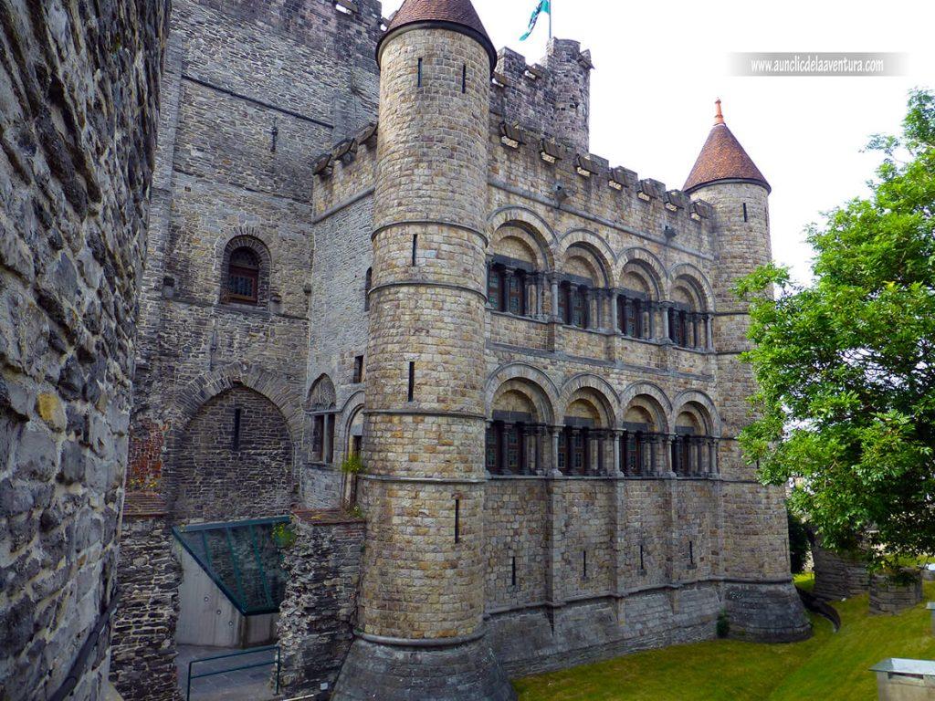 Exterior del Castillo - Visitar el castillo de Gante