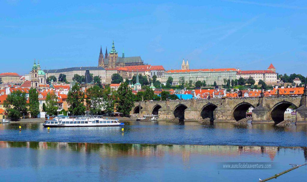 Puente de Carlos IV con el Castillo al fondo - mis ciudades favoritas