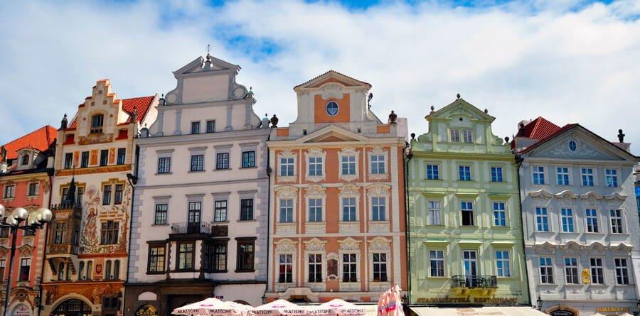 Fachada sur de la Plaza de la Ciudad Vieja - Qué ver en la Ciudad Vieja de Praga