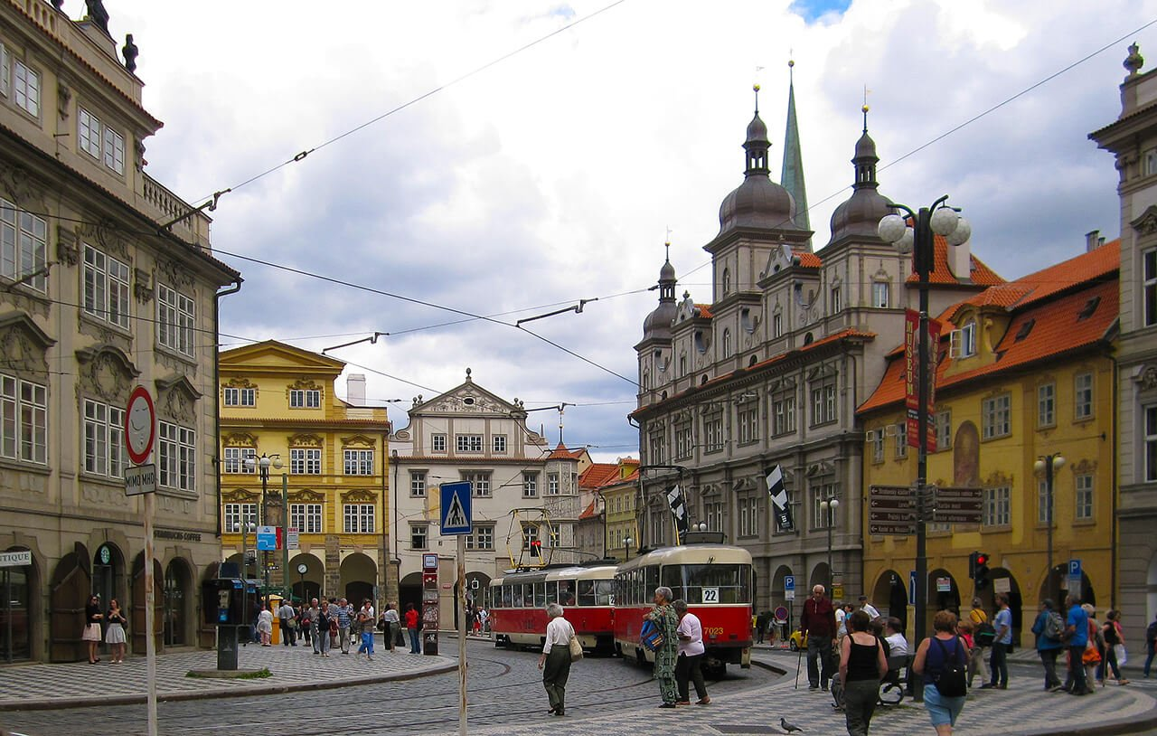 Plaza de Malá Strana - qué ver en el barrio de Malá Strana de Praga
