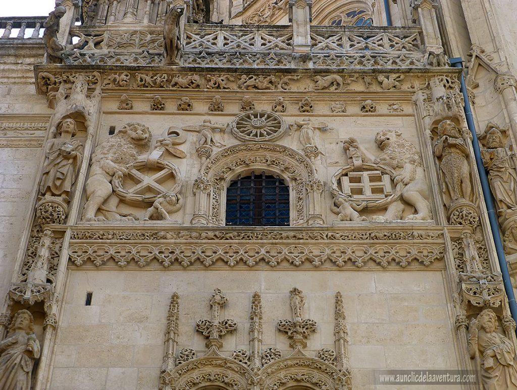 Capilla de los Condestables- Portada del Sarmental, el claustro y la Capilla de los Condestables de la Catedral de Burgos