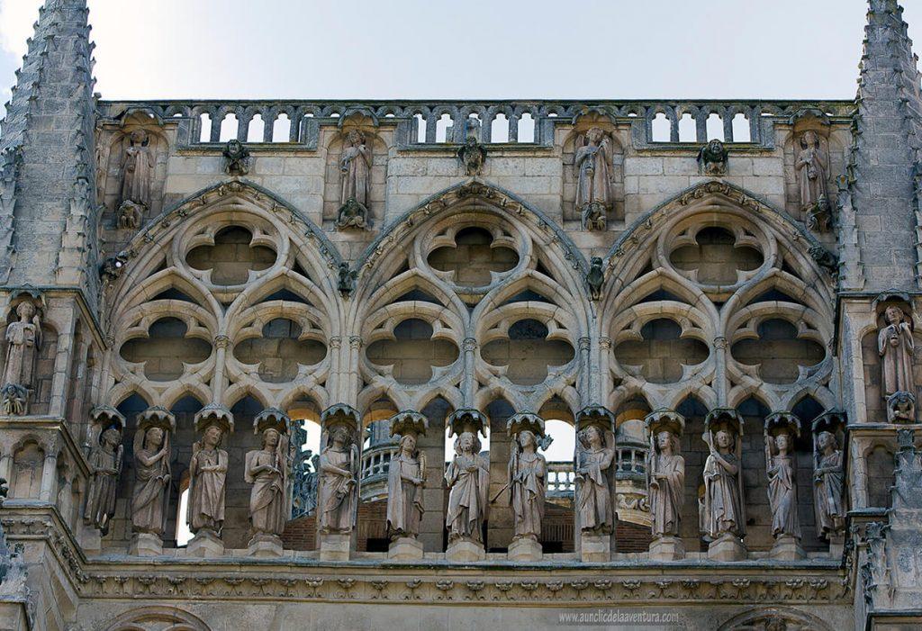 Galería de la Puerta del Sarmental- Portada del Sarmental, el claustro y la Capilla de los Condestables de la Catedral de Burgos