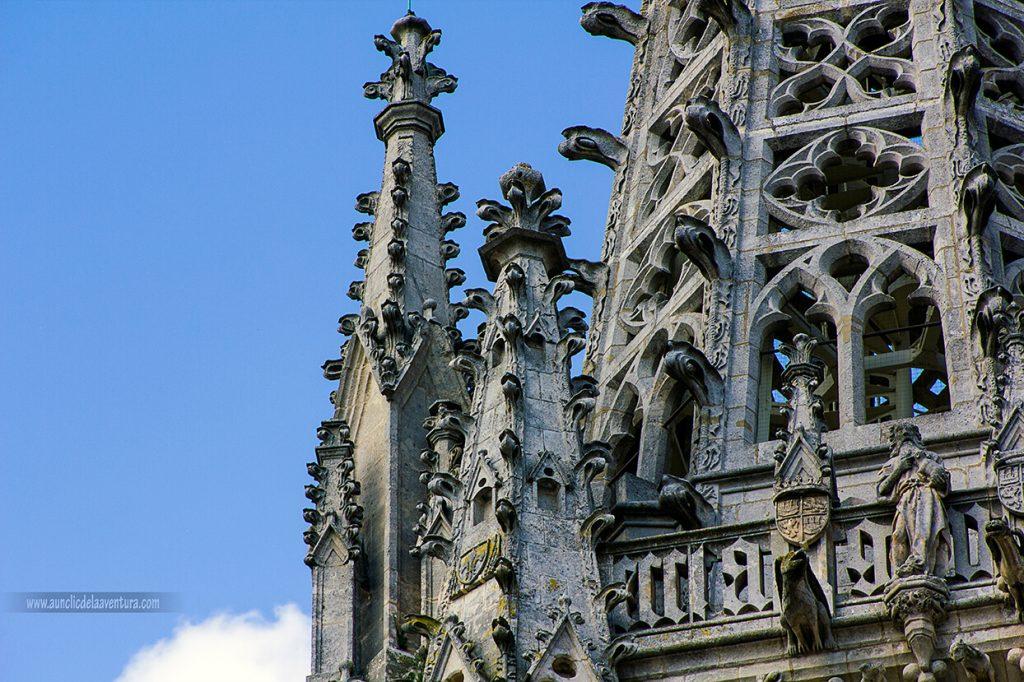 Chapiteles de la Portada de Santa María de la Catedral de Burgos