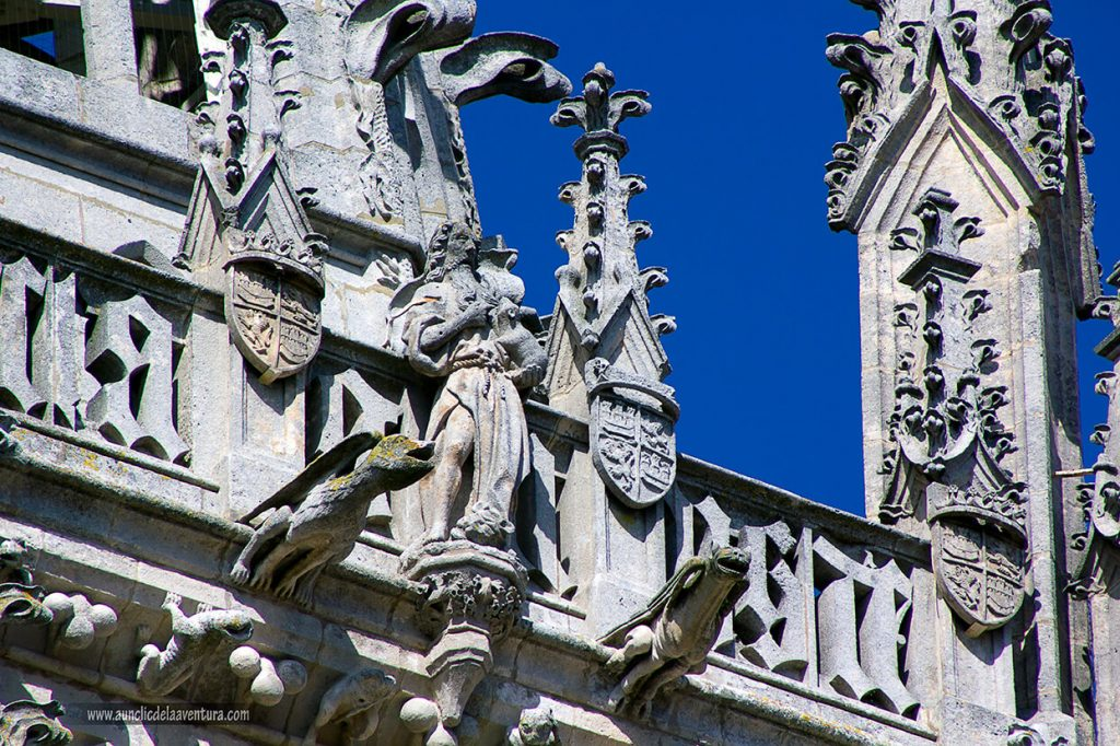 San Juan Bautista en la Portada de Santa María de la Catedral de Burgos