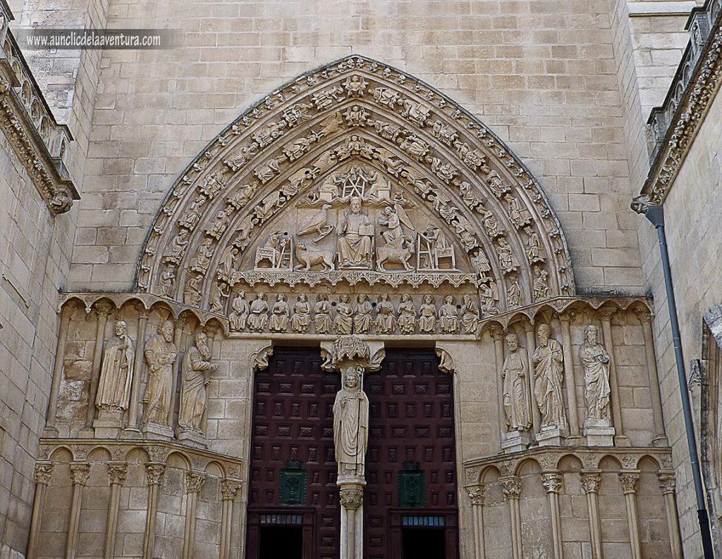 Puerta del Sarmental - Portada del Sarmental, el claustro y la Capilla de los Condestables de la Catedral de Burgos