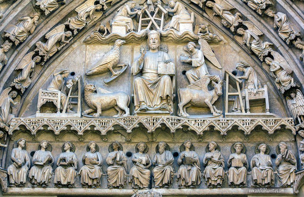 Pantocrator - Portada del Sarmental, el claustro y la Capilla de los Condestables de la Catedral de Burgos