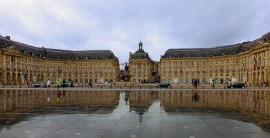 Espejo de Agua de la Place de la Bourse de Burdeos