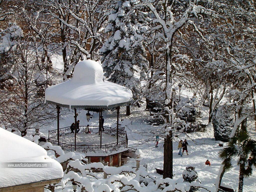 Templete del Espolón con nieve