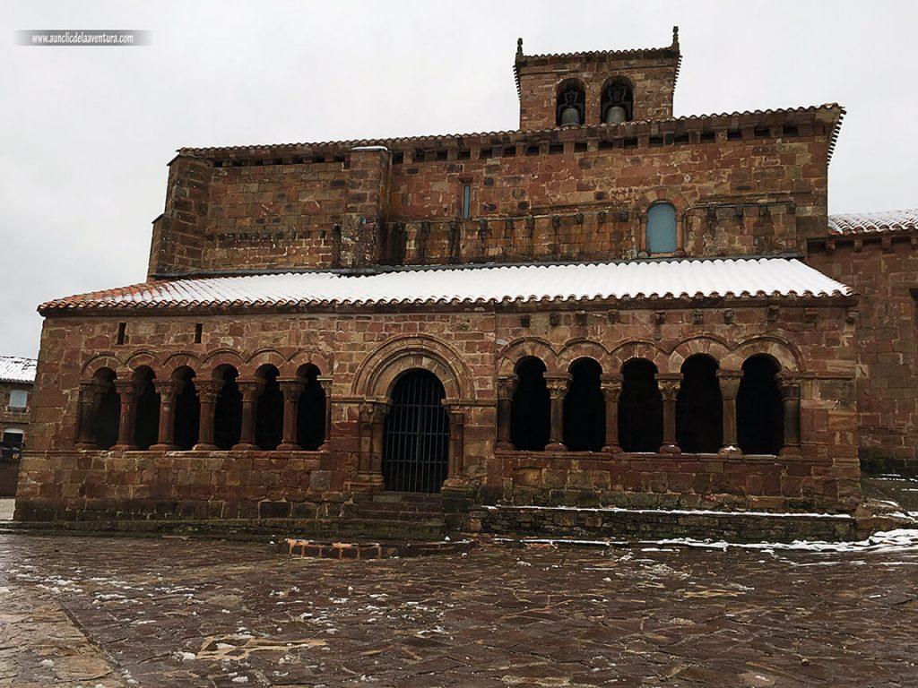 Iglesia de San Esteban Protomartir de Pineda de la Sierra