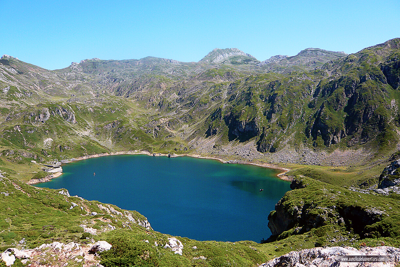 Lago de la Calabazosa o Lago Negro