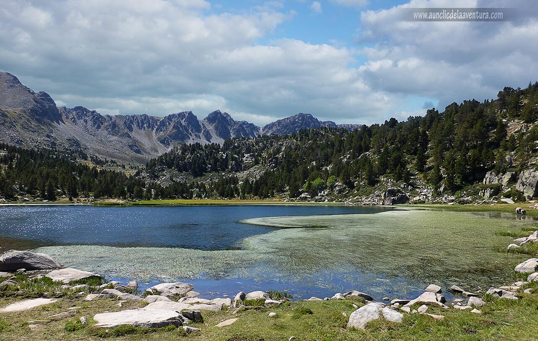 Lago Primer de Pessons, uno de los lagos de montaña de Andorra
