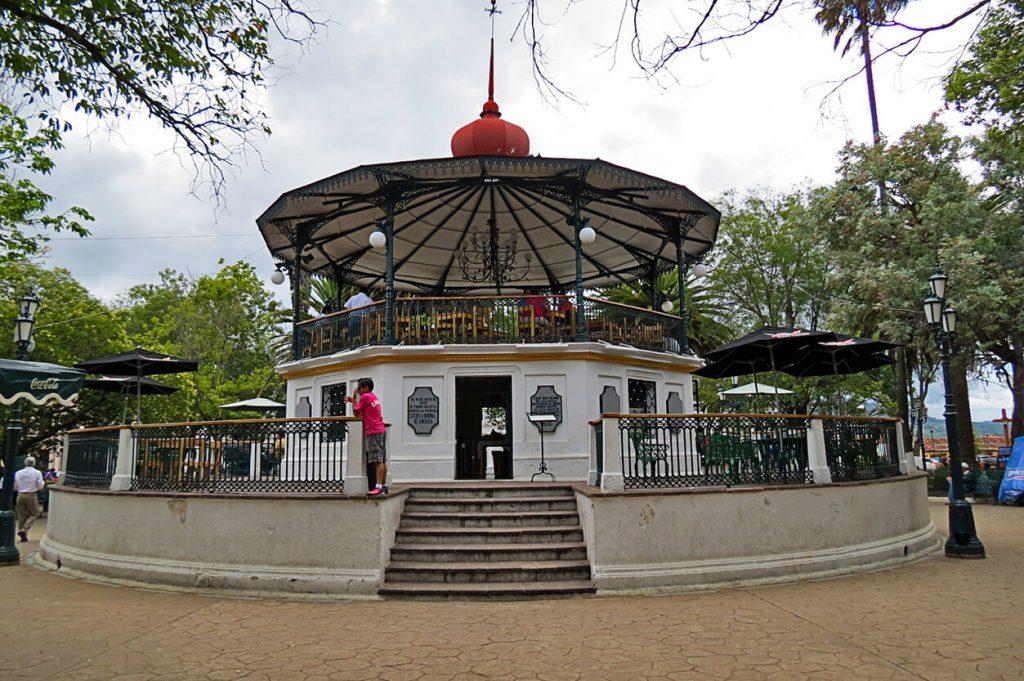 Quiosco plaza principal de San Cristóbal de las Casas - pueblos mágicos de México