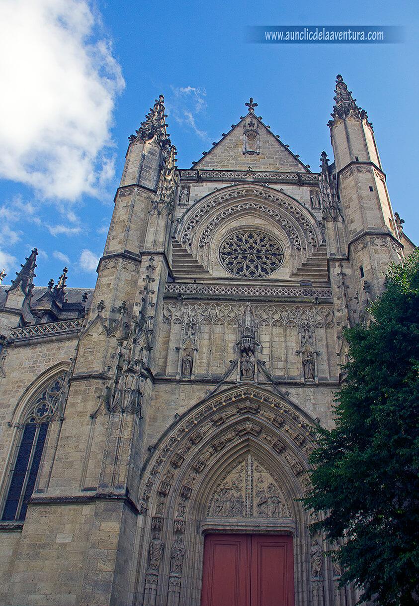 Portada de la Basílica de Saint-Michel