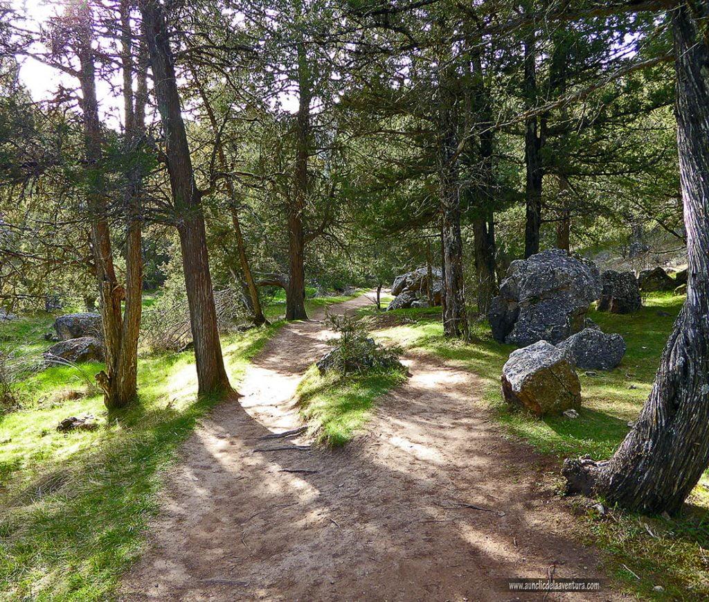 Camino a la Cascada de la Hoz, la Fuentona