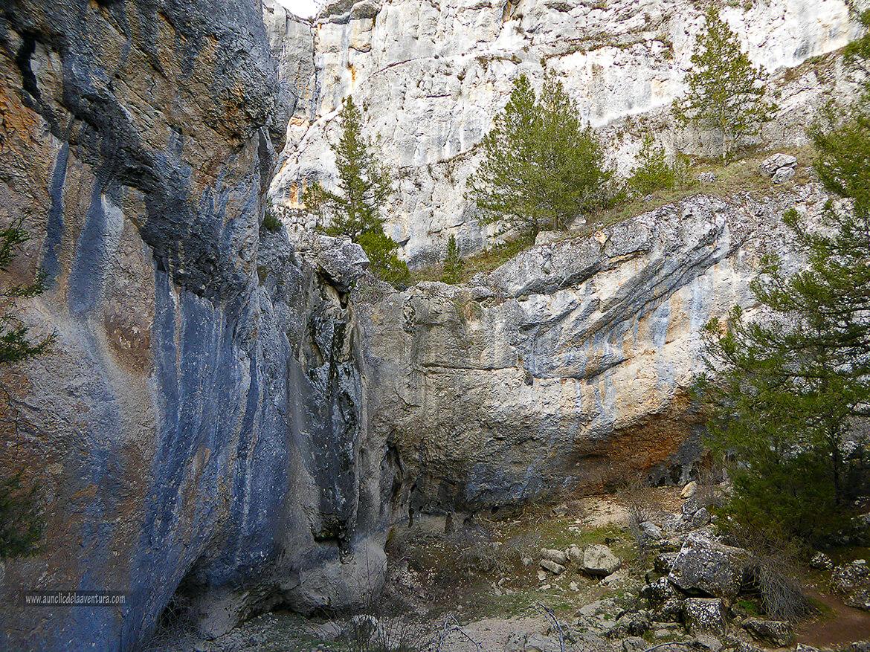 Aquí es dónde cae la cascada cuando hay agua