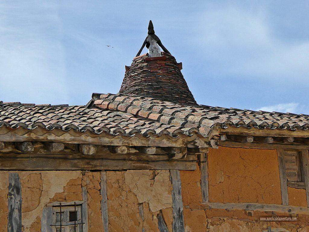 Chimenea cónica de la tierra de pinares, que ver en Calatañazor