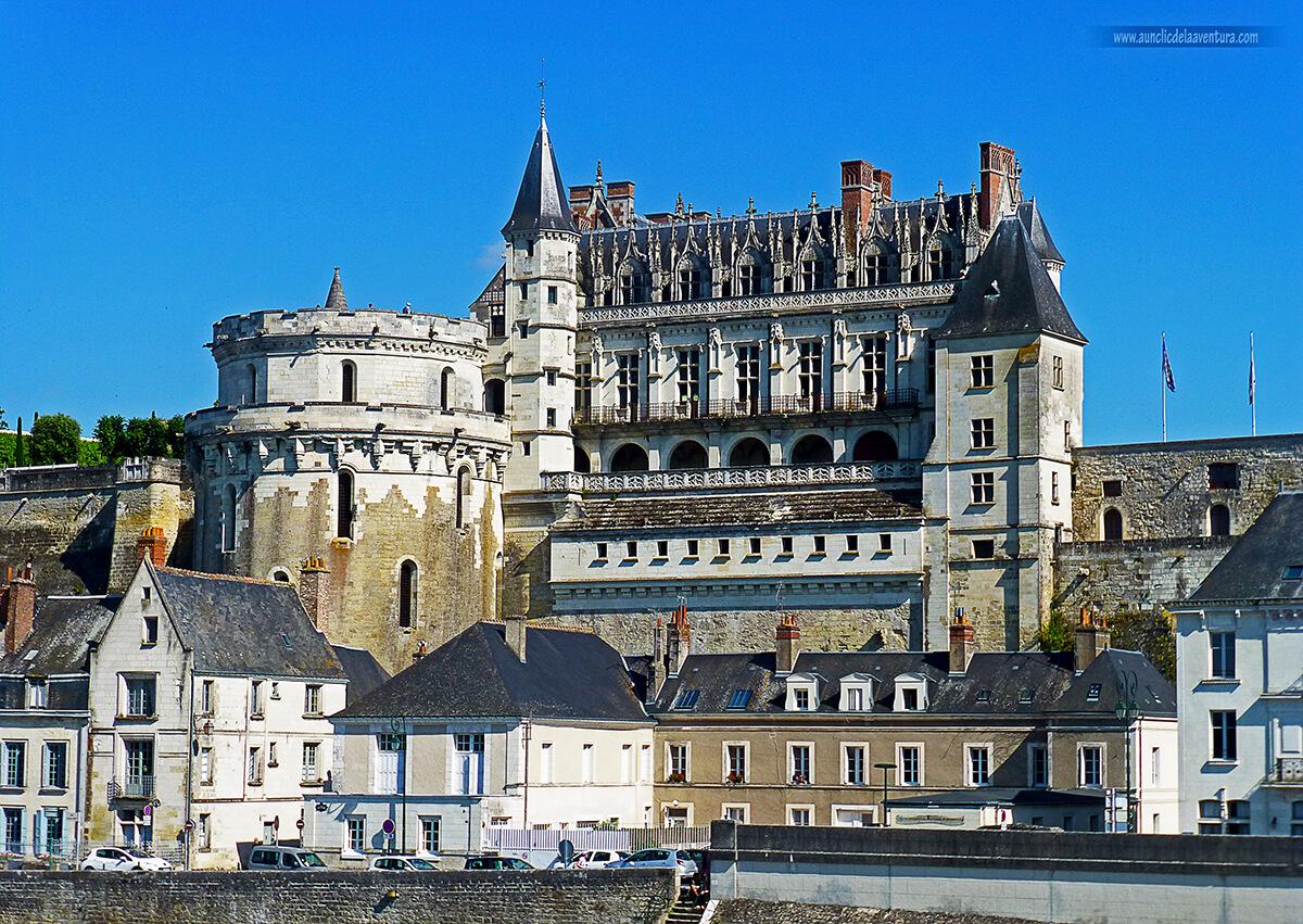 Vista de Amboise y su Castillo Real, Valle del Loira