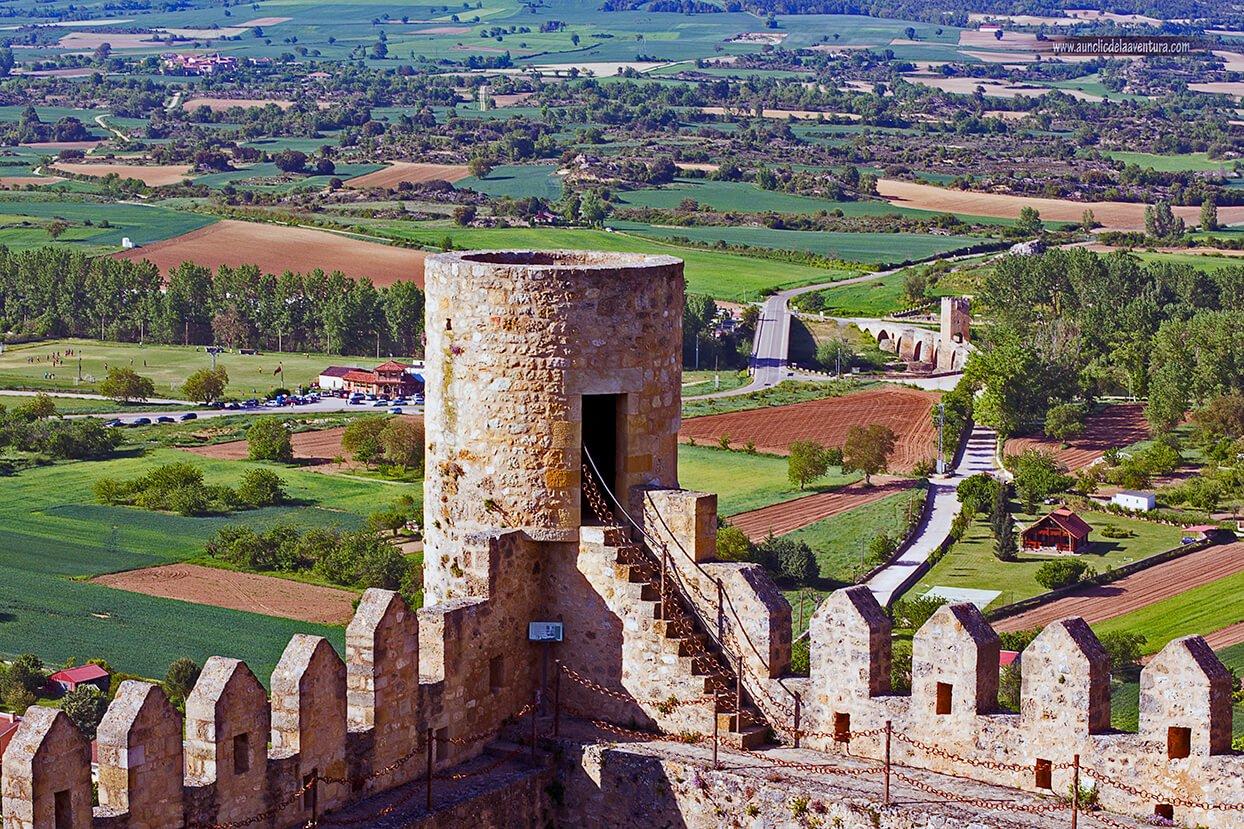 Camino de ronda y torre de vigilancia del Castillo de Frías