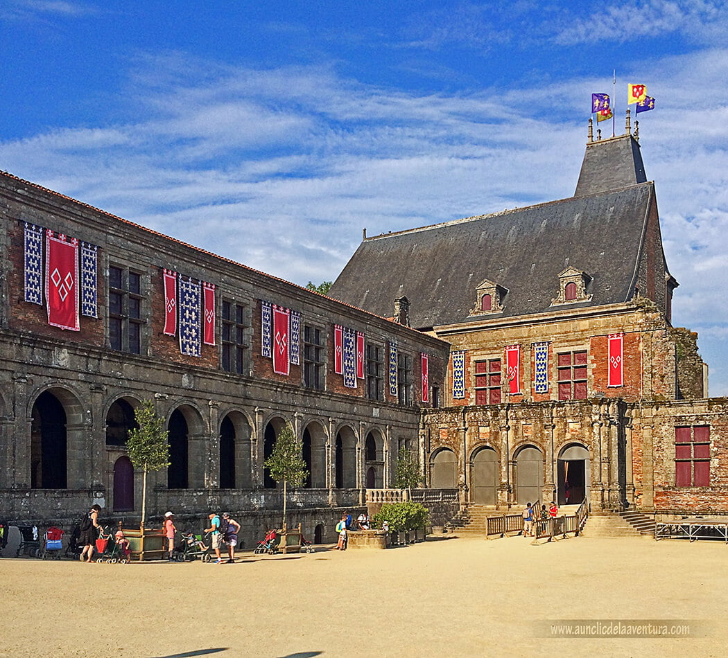 El Renacimiento del Castillo, exterior - Parque temático Puy du Fou de Francia