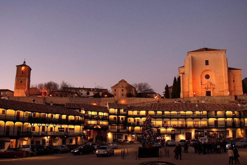 Plaza Mayor de Chinchón - excursiones a menos de una hora de Madrid