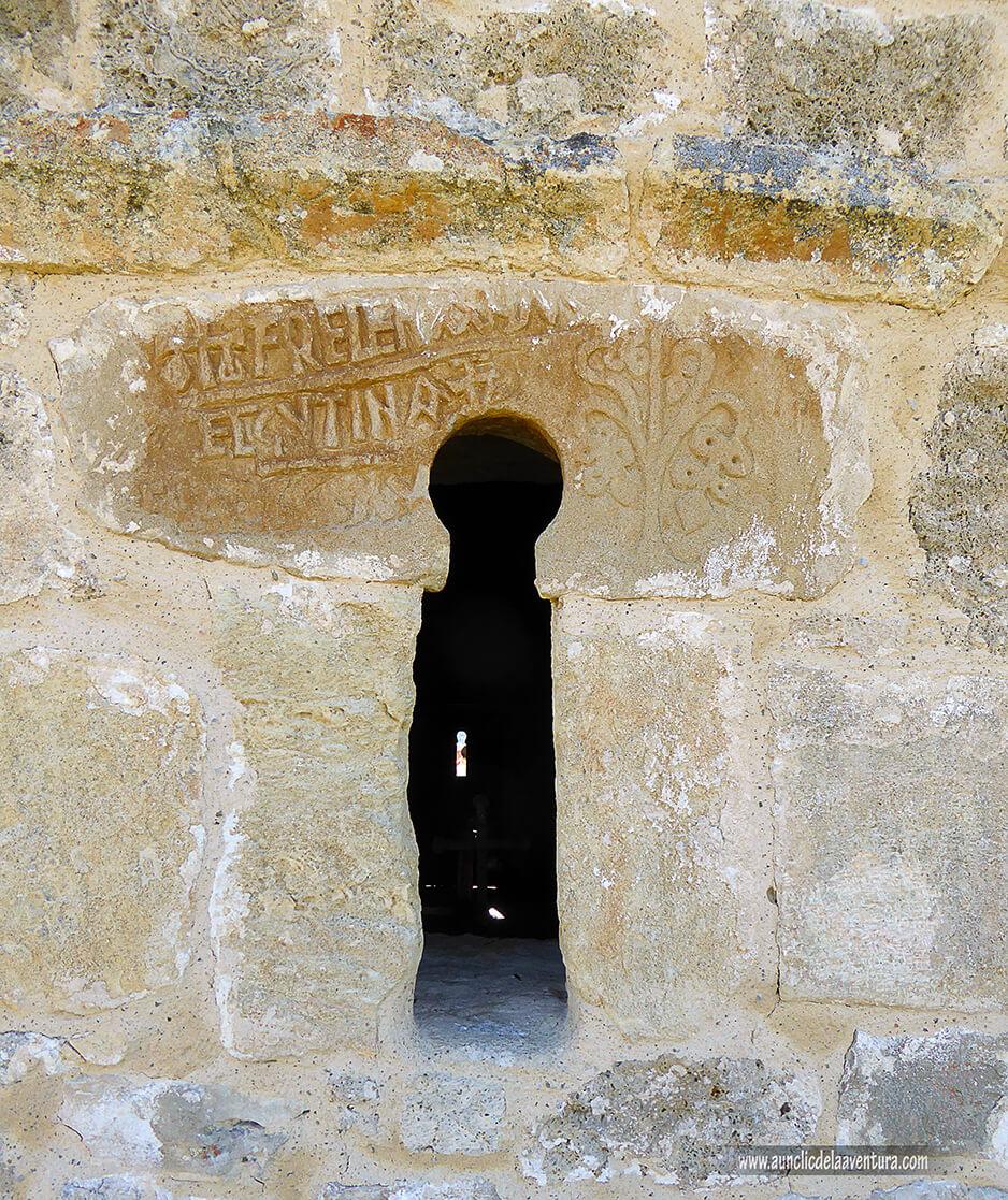 Inscripción fundacional de la Ermita de Castrosiero - ruta desde Valdelateja hasta la ermita de Castrosiero
