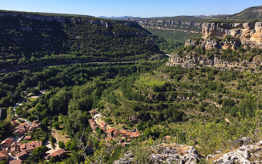 Un paseo por Valdelateja y una ruta a Siero con su ermita encaramada