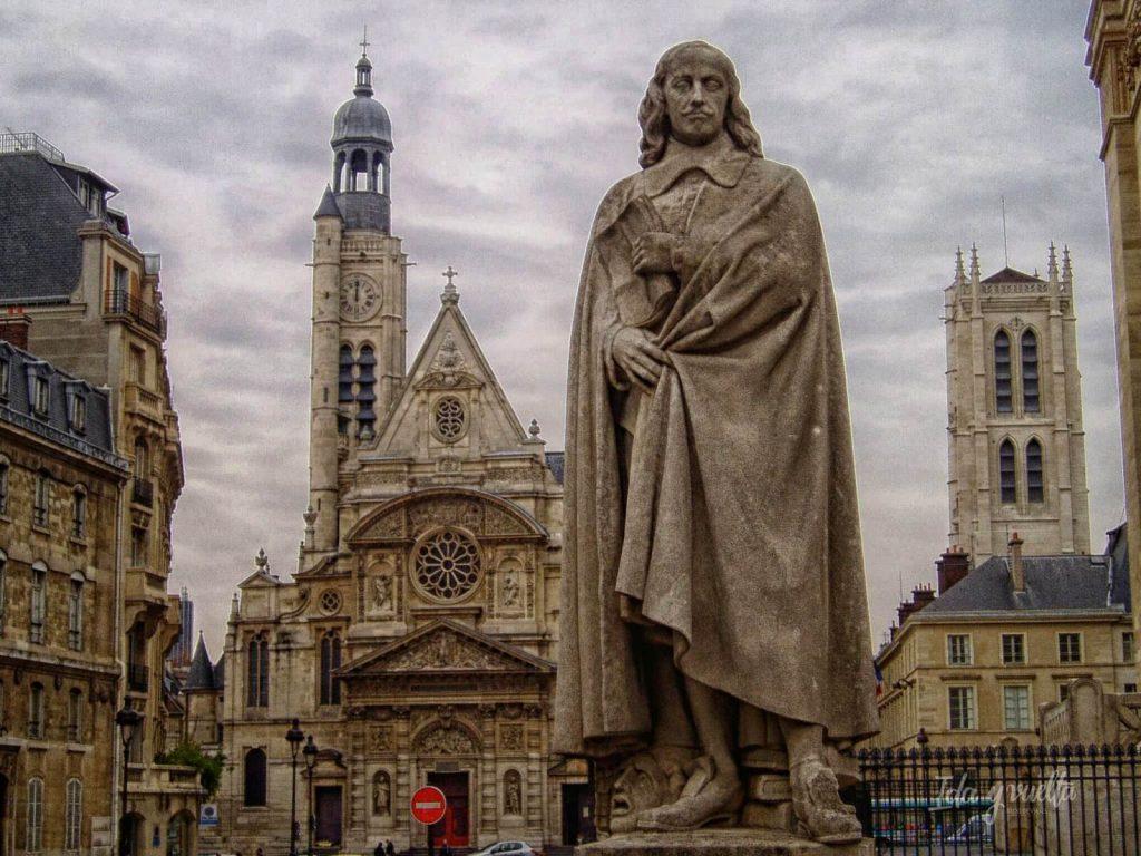 Iglesia de St-Etienne-du Mont y estatua de Pascal en el Barrio Latino