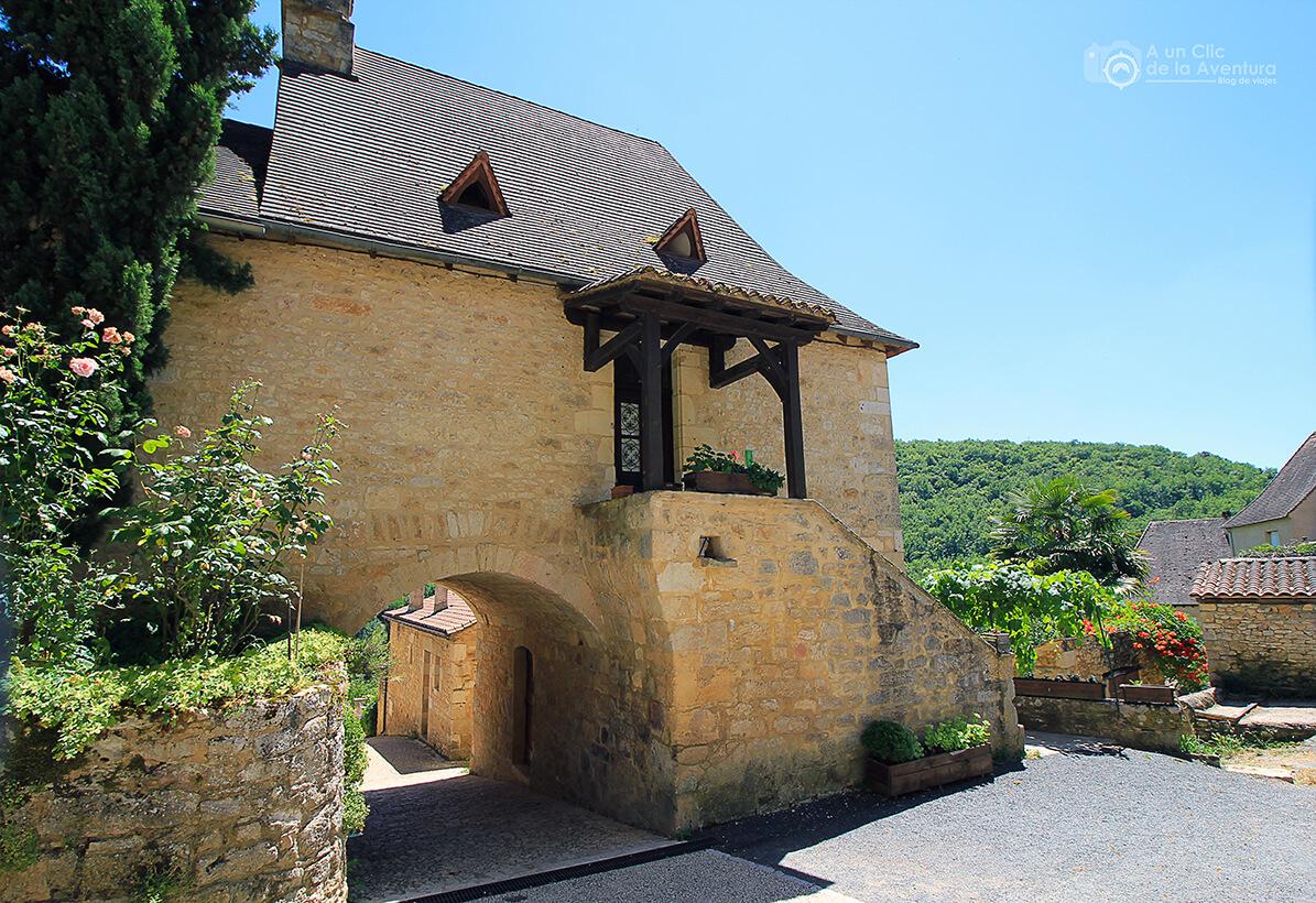 Todas las casas de Castelnaud están construidas en piedra- visitarCastelnaud y Beynac-et-Cazenac