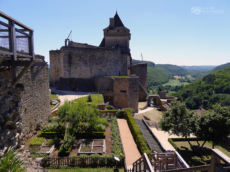 Castillo de Castelnaud desde el interior de su recinto- visitarCastelnaud y Beynac-et-Cazenac