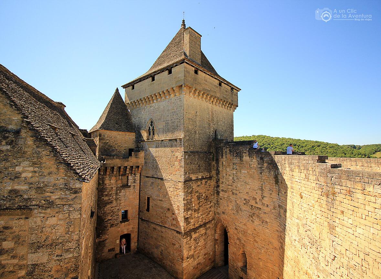 Torre y murallas del Castillo de Castelnaud- visitarCastelnaud y Beynac-et-Cazenac