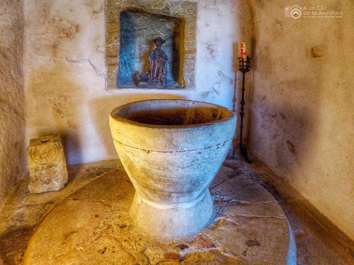 Pila bautismal de Olleros de Pisuerga