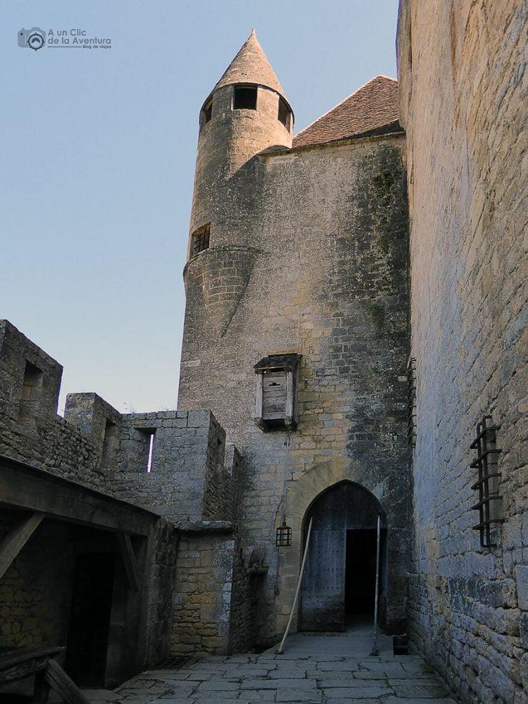 Sistema de defensa del Castillo de Beynac- visitarCastelnaud y Beynac-et-Cazenac