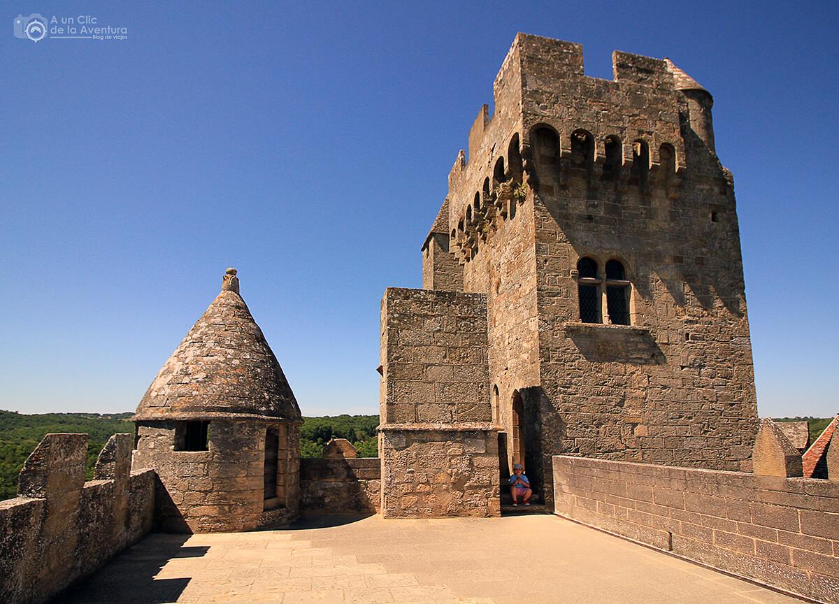 """Terraza conocida como """"Bastión Meridional"""" del Castillo de Beynac- visitarCastelnaud y Beynac-et-Cazenac"""