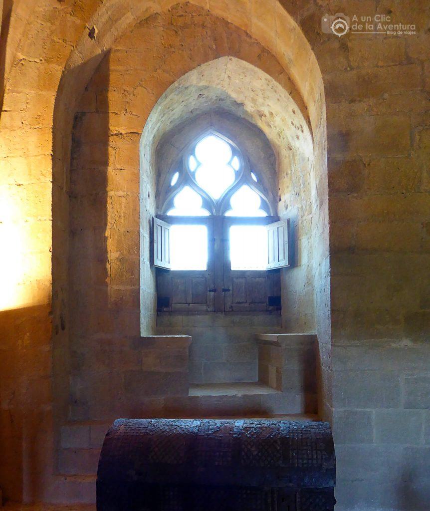 Ventana de la Torre del Castillo de Castelnaud - visitarCastelnaud y Beynac-et-Cazenac